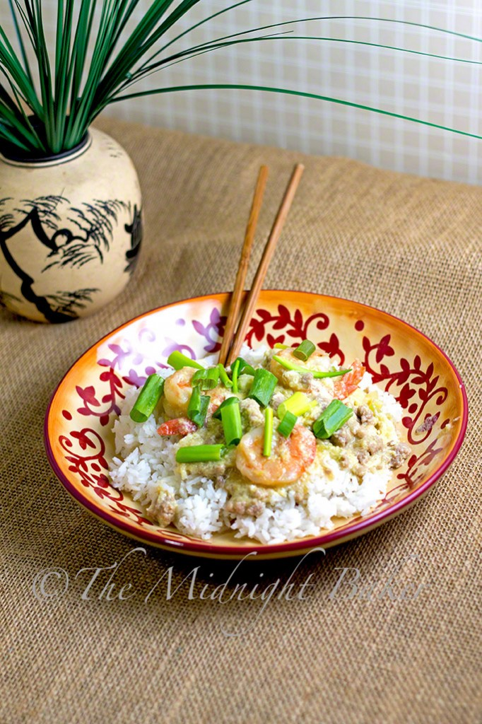 Shrimp with Lobster Sauce } bakeatmidnite.com | #shrimp #chinesetakeout #chinese