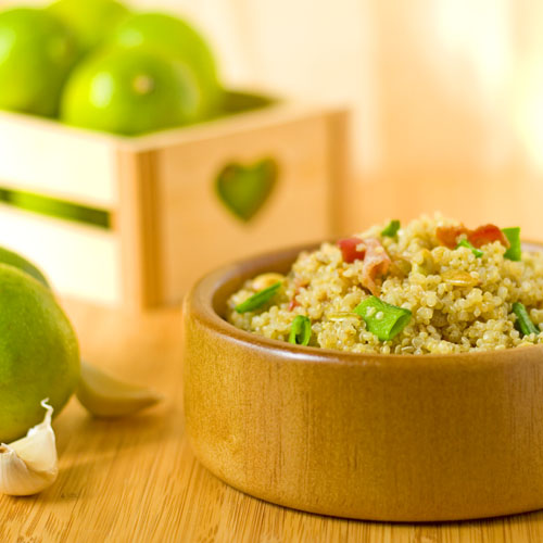 Bacon Quinoa Salad with Garlic Honey Lime Dressing | bakeatmidnite.com | #quinoa #bacon #salads