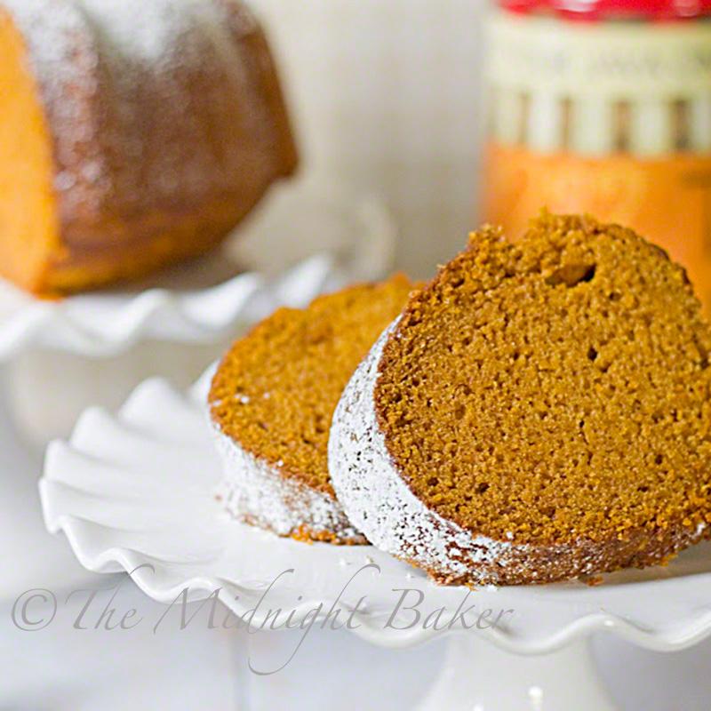 Fall Festival Pumpkin Pound Cake | bakeatmidnite.com | #poundcake #pumpkin