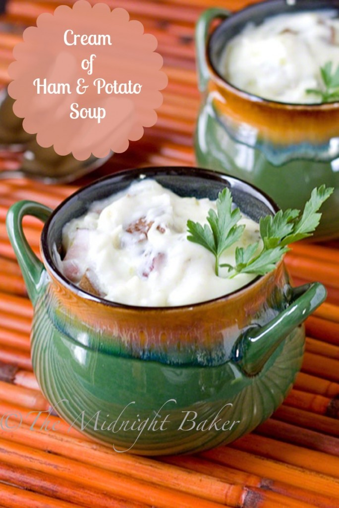 Cream of Ham & Potato Soup | bakeatmidnite.com | #creamsoup #potatosoup