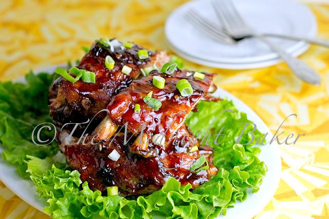 Smokey Chipotle Ribs | bakeatmidnite.com | #ribs #pork #spareribs