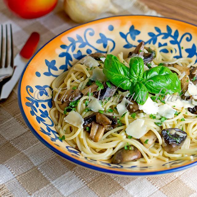 Pasta with Basil & Mushrooms