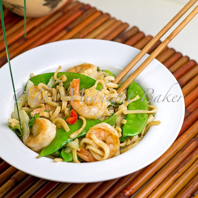 Peanut Rice Noodles with Shrimp