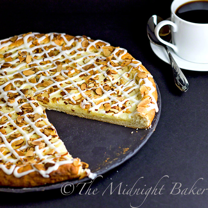 Almond Cheese Danish Pizza | bakeatmidnite.com | #cheesedanish #pastry #dessert