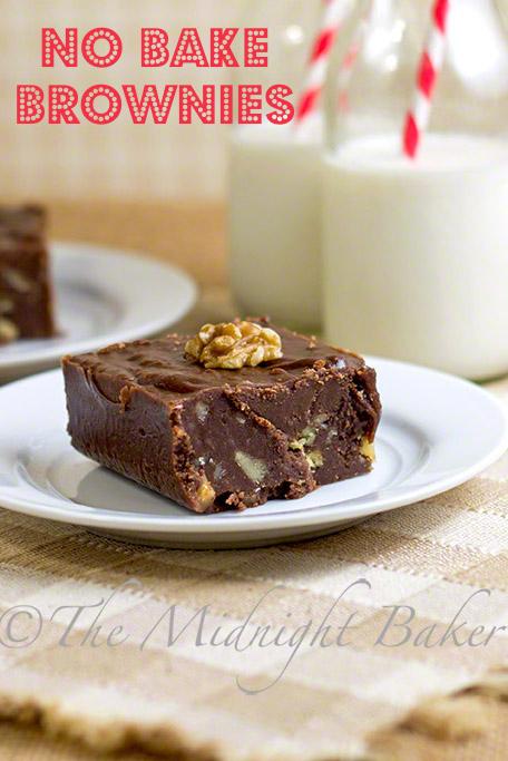 No Bake Brownies   bakeatmidnite.com   #brownies #fudge #NoBakeCookies