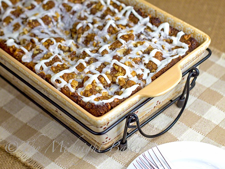 Apple Cinnamon Breakfast Cake #CoffeeCake #AppleCinnamonCake #breakfast #TemptationsByTara