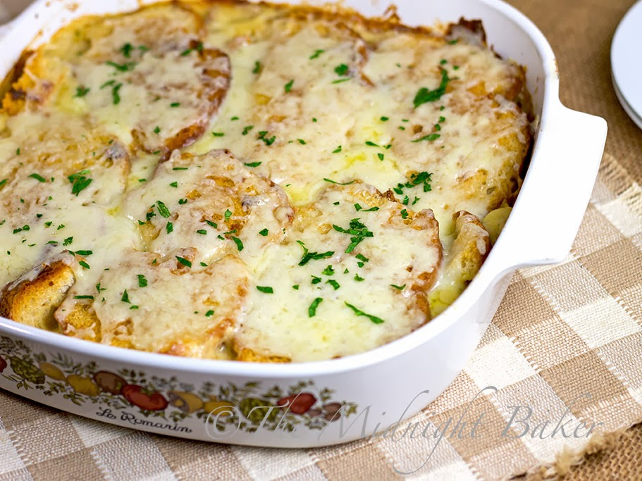 Creamy Onion Cheese Casserole #OnionCasserole #SideDishes #ThanksgivingRecipes