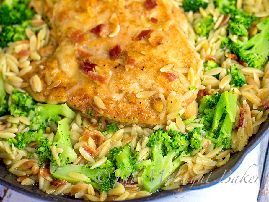 One-Pan Chicken & Orzo Skillet Dinner #SkilletDinners #OnePanMeals #ChickenRecipes