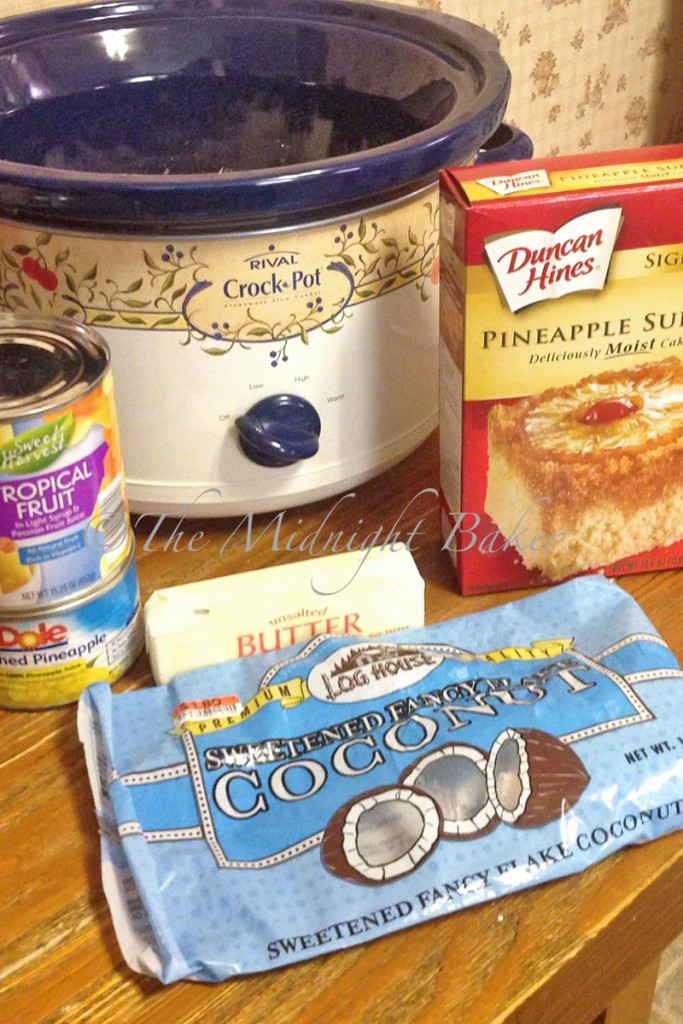 Tropical Ambrosia Dump Cake | bakeatmidnite.com | #slowcooker #crockpot #ambrosia #dumpcake