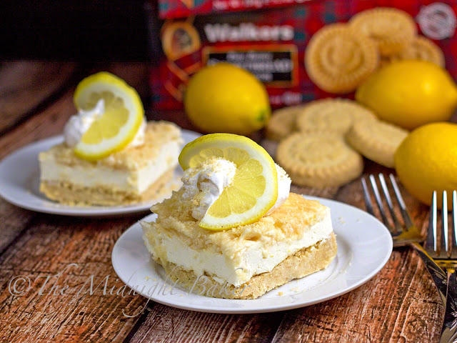 No-Bake Lemon Shortbread Cheesecake | bakeatmidnite.com | #WalkersShortbread #cheesecake #recipe #ad