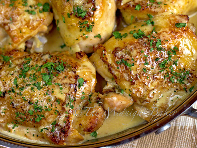 Tarragon Chicken with Chardonnay Cream Sauce | bakeatmidnite.com | #chicken #chardonnay #recipe