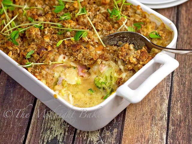 Chicken Cordon Bleu Casserole | bakeatmidnite.com | #chicken #casserole #recipe