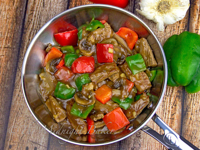 Pepper Steak | bakeatmidnite.com | #beef #peppersteak #recipe