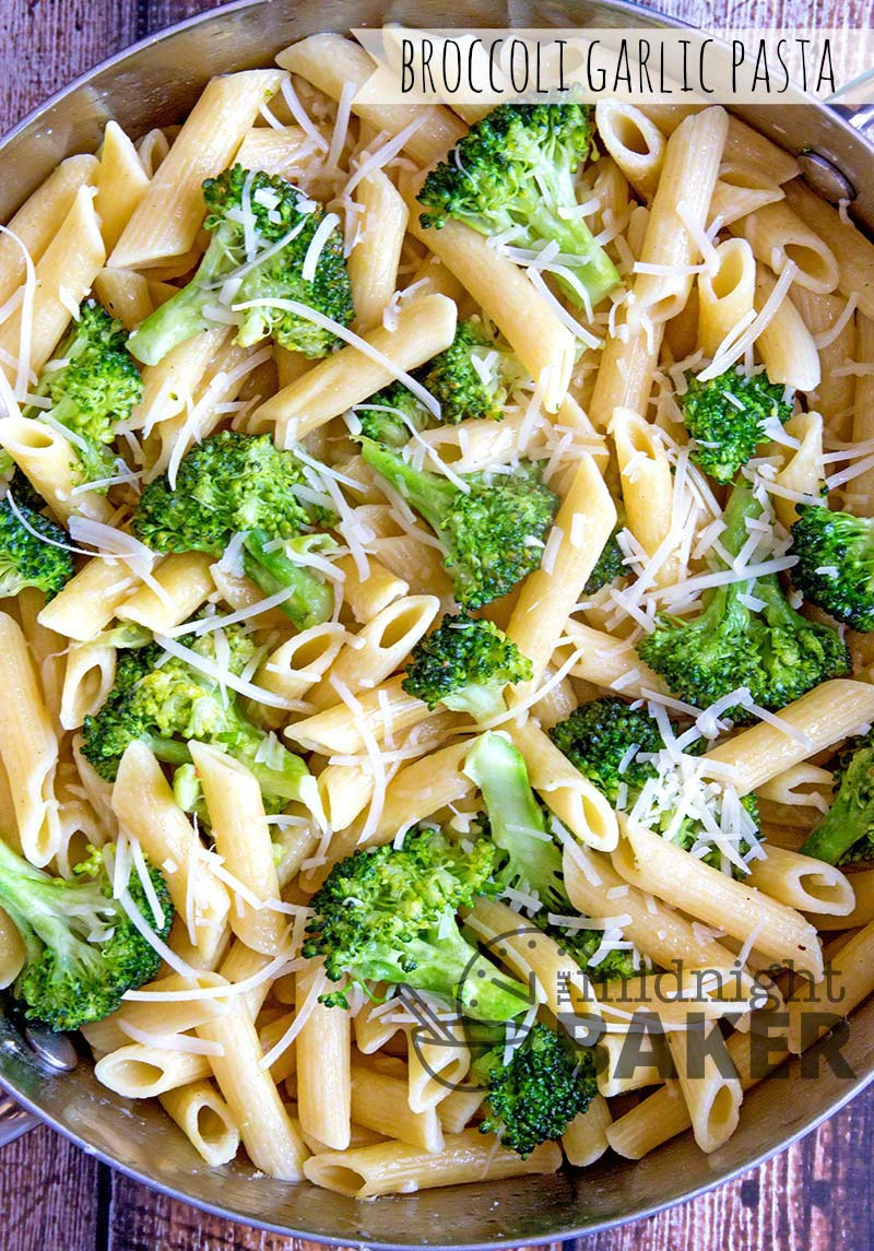 Broccoli Garlic Pasta - The Midnight Baker-2350