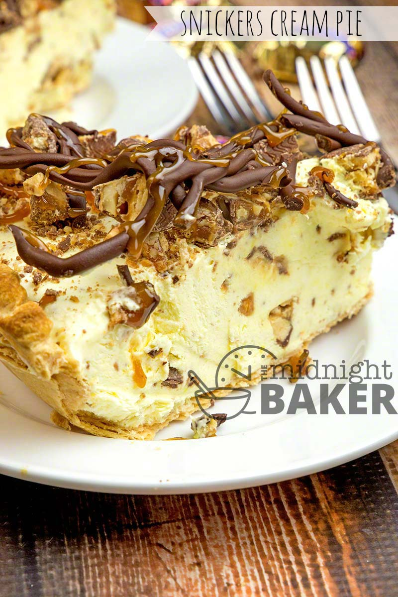 Now here's a pie for Snickers lovers! Loads of Snickers bits inside the pie and the topping as well is a candy treat