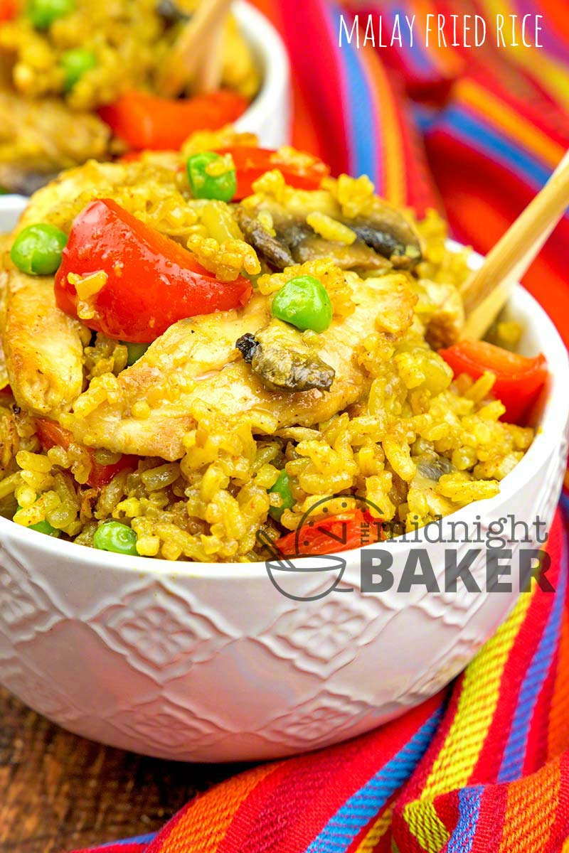 Delicious and spicy Asian style rice with chicken.
