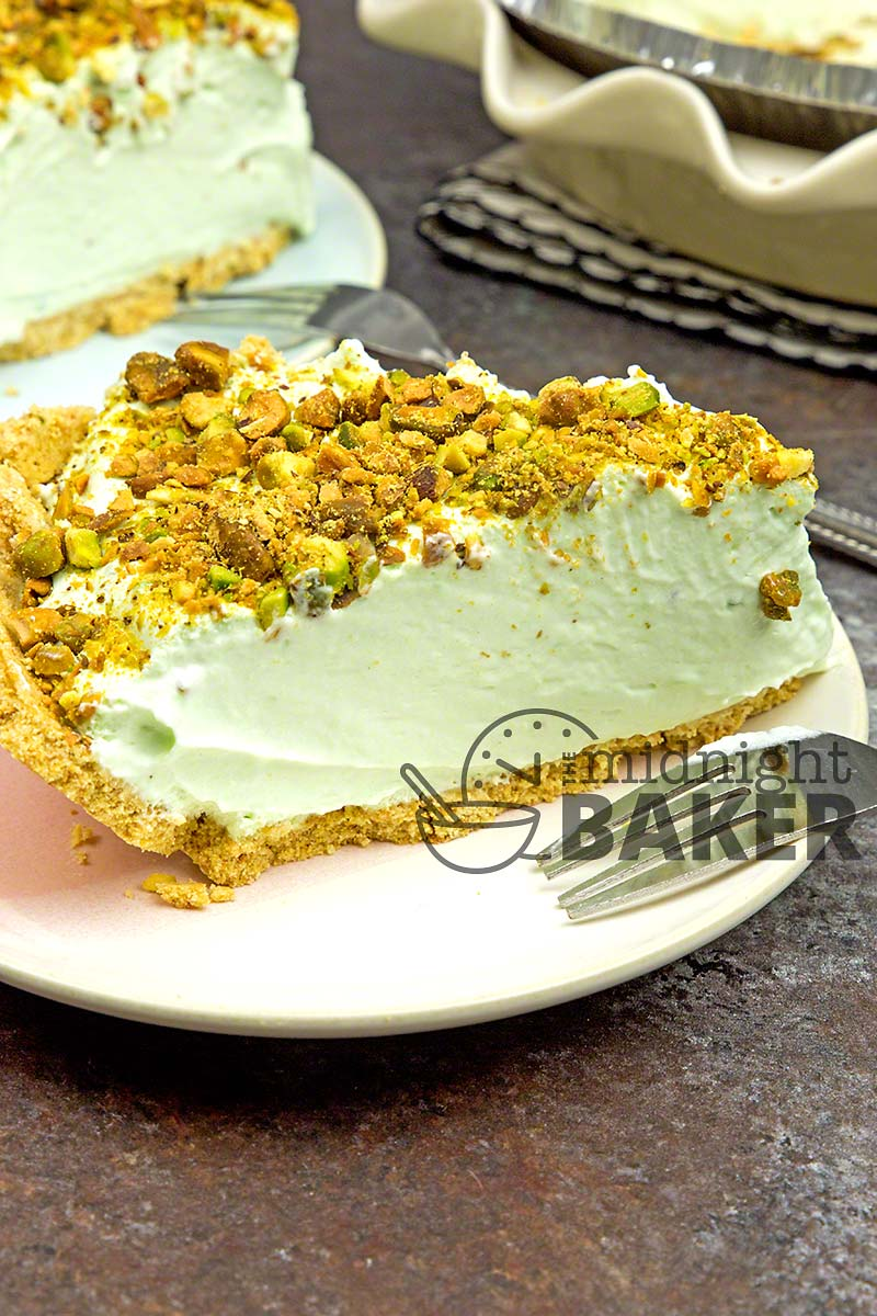 No baking required for this creamy pistachio pie!